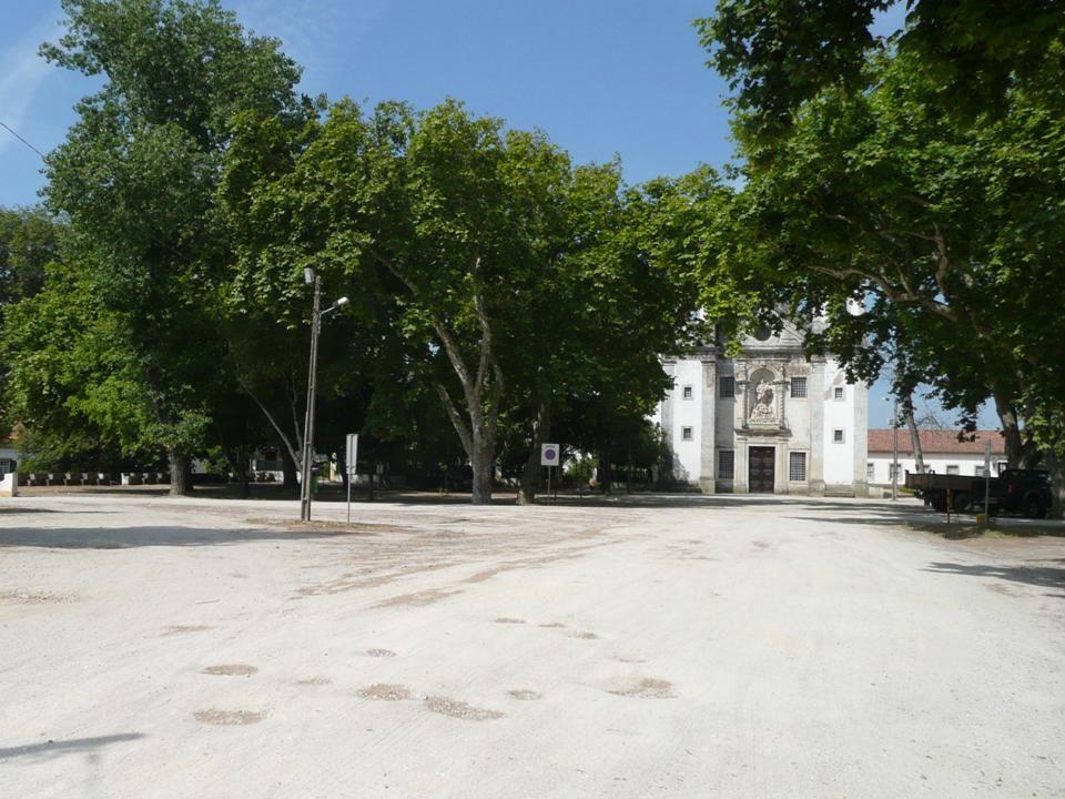 Antigamente a «FEIRA DOS 13» era nas ruas e largos do BAIRRO OPERÁRIO da FABRICA DE PORCELANAS DA VISTA ALEGRE….