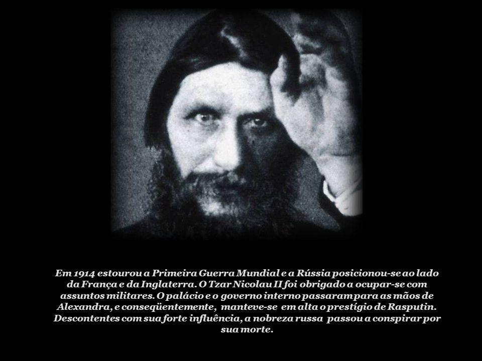 À parte de sua fama como poderoso mago, Rasputin manteve a princípio uma imagem de santidade e retidão. Mesmo mais tarde, quando os relatórios da poli