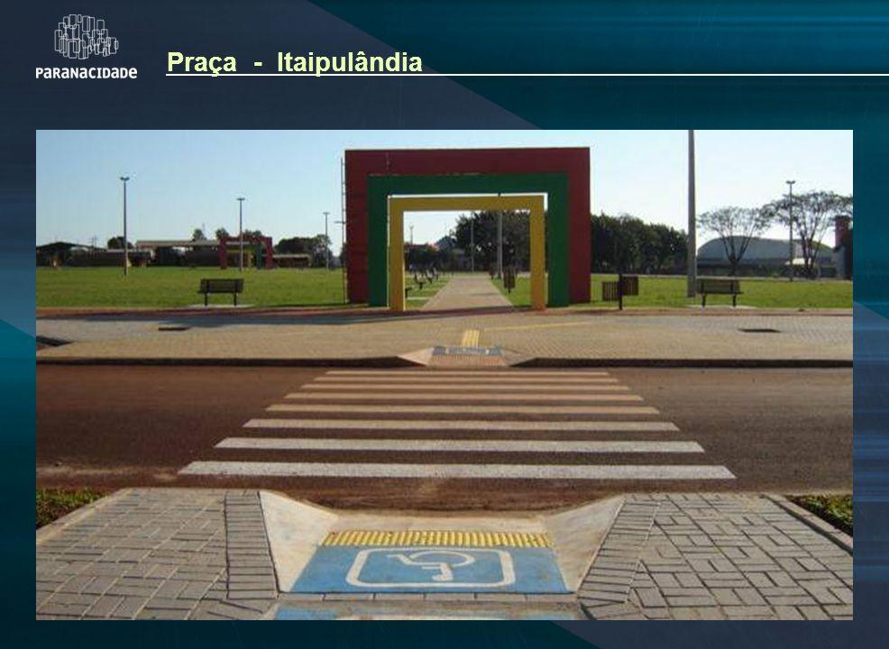 Praça - Itaipulândia