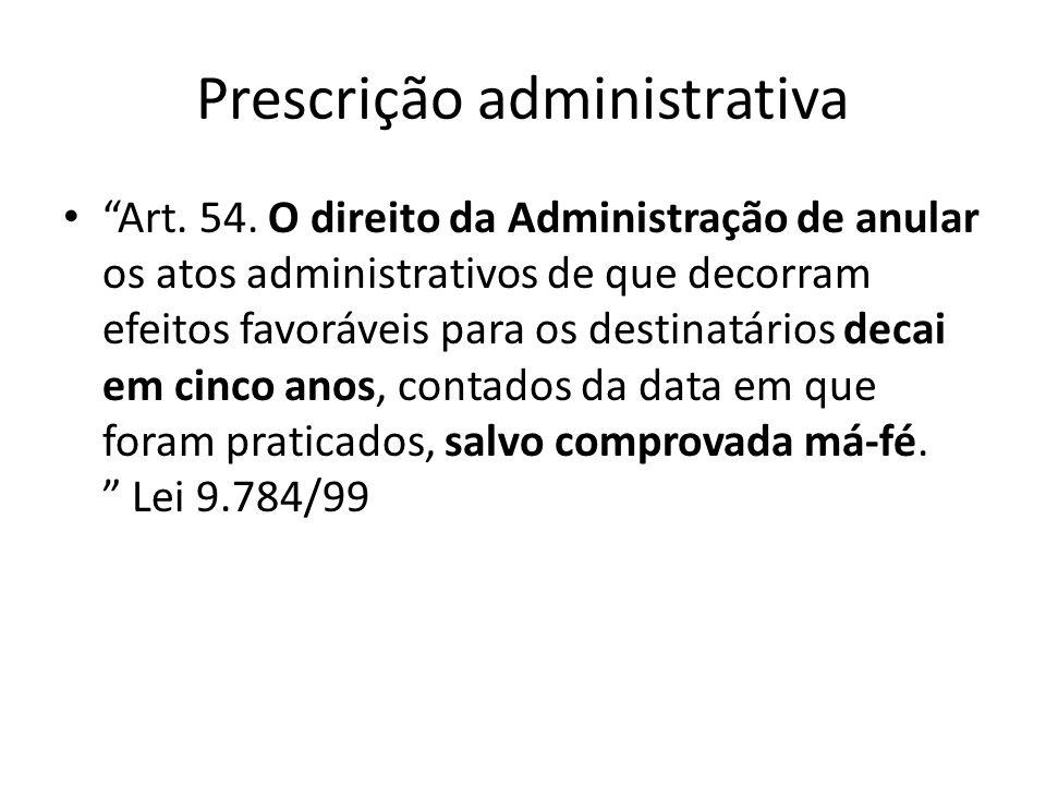 Função social e paradigmas RECURSO ESPECIAL Nº 450.352 - RS (2002/0091763-2) RELATOR : MINISTRO FERNANDO GONÇALVES RECORRENTE : MONTPÉPIO DOS FUNCIONÁRIOS DO MUNICÍPIO DE PORTO ALEGRE ADVOGADO : LUCIANA FARIAS E OUTROS RECORRIDO : MARIA FRANCISCA SILVINO ADVOGADO : HÉLIO NEUMANN SANT ANNA E OUTROS EMENTA PREVIDÊNCIA PRIVADA.