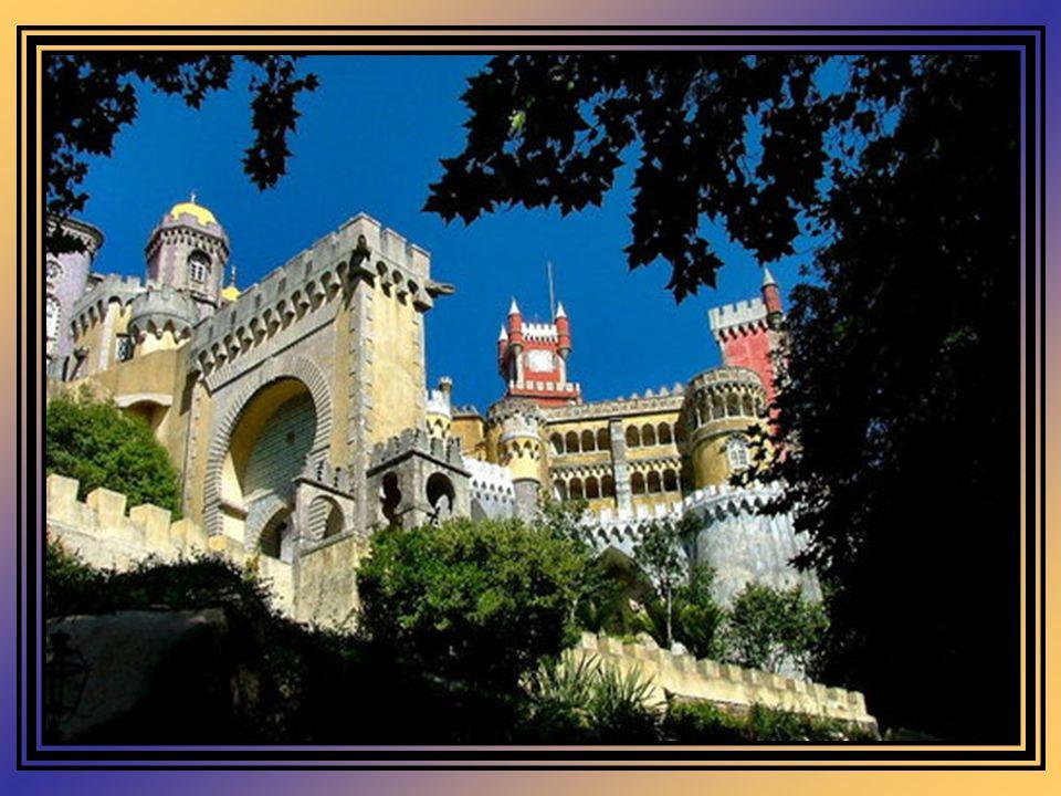 Com o terramoto de 1755, o Mosteiro sofreu graves danos, julgando-se então a sua recuperação como algo quase impossível. Apenas a Capela, na zona do A