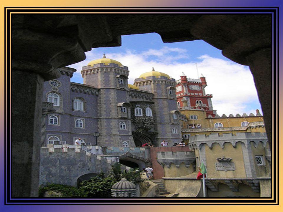 Inicialmente, foi o arquitecto português Possidónio da Silva o encarregue por D. Fernando, da reconstrução do antigo convento e anexar-lhe uma parte n