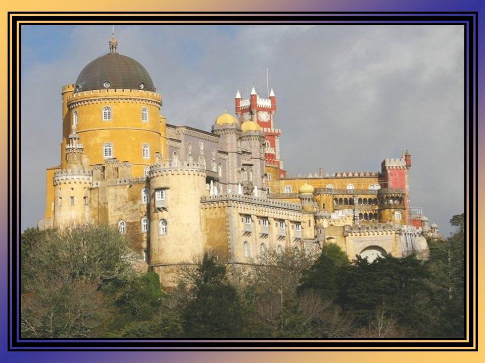 É um dos Palácios senhoriais mais bonitos em Portugal. Constitui uma das expressões máximas do romantismo em Portugal. Em plena Serra de Sintra, no al