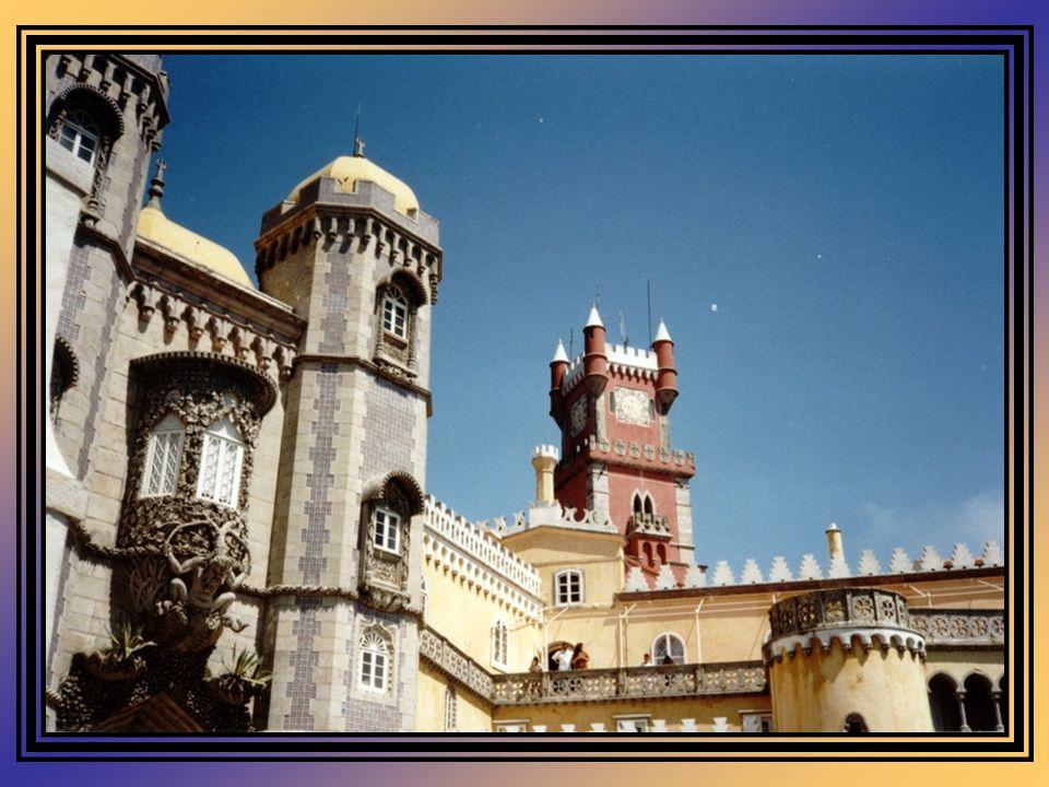 Como a opinião pública se indignasse contra as cláusulas testamentárias de D. Fernando II, em 1889 a Condessa d'Edla opta por vender o Palácio e o Par