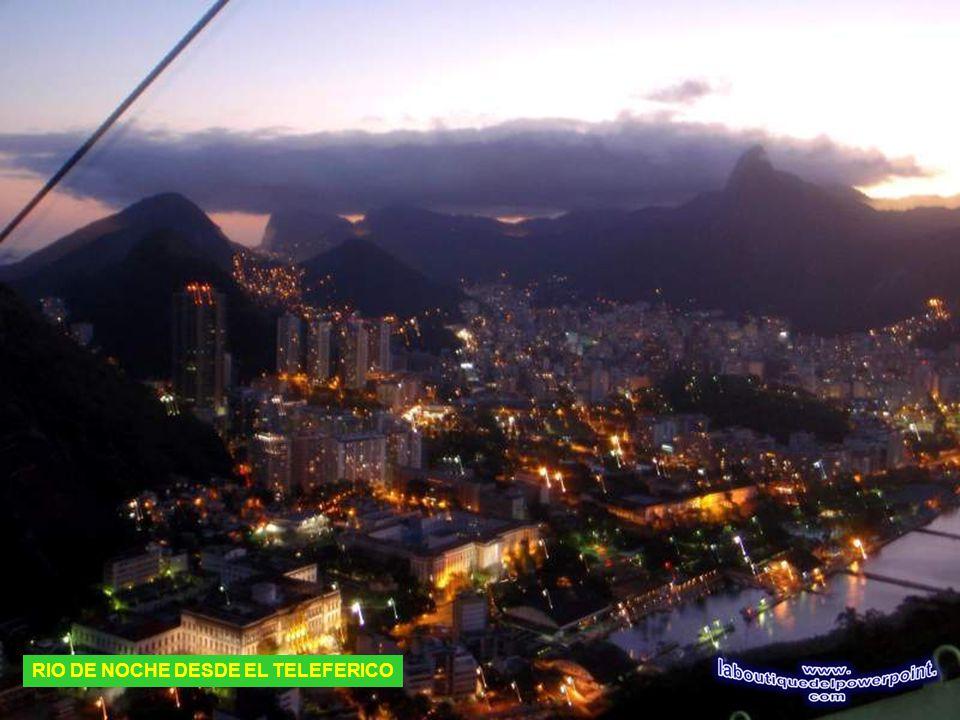 RIO DE NOCHE DESDE EL CORCOVADO