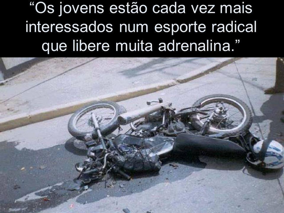 """""""Os motoqueiros não obedecem as sinalizações """"..."""