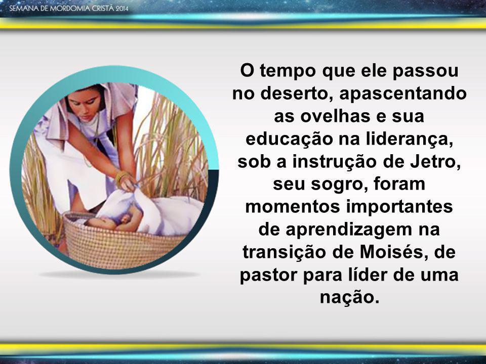 Êxodo 4:20 Tomou, pois, Moisés a sua mulher e os seus filhos; fê-los montar num jumento e voltou para a terra do Egito.