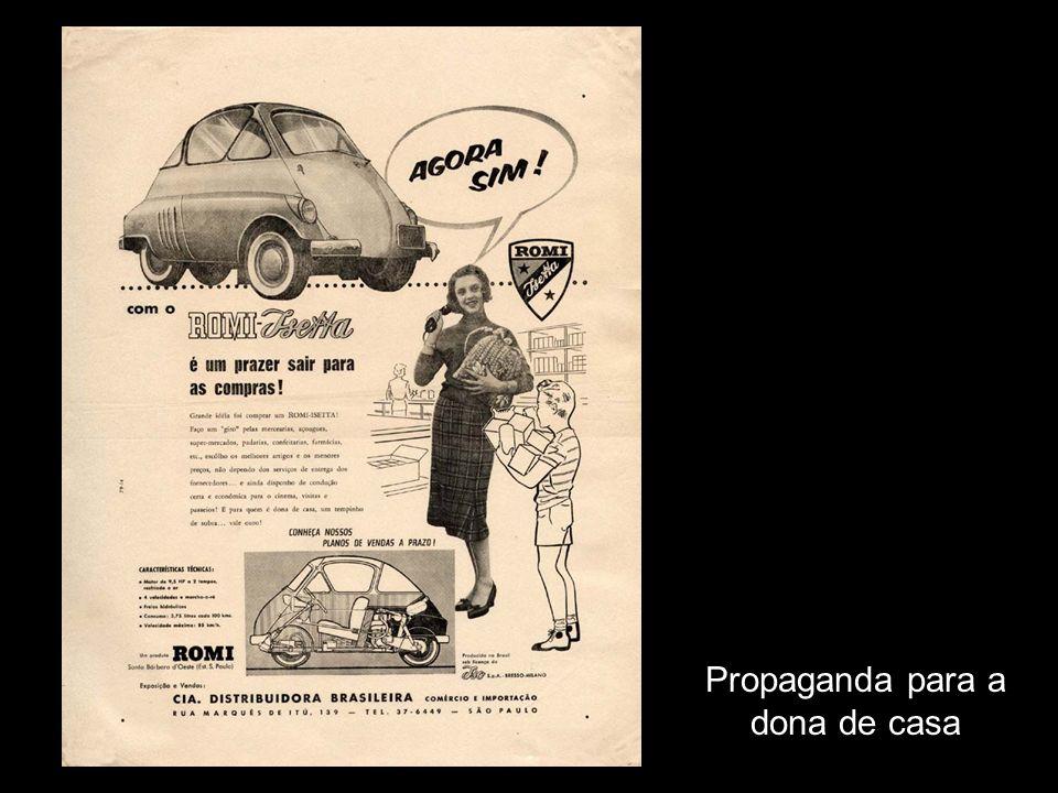 Curiosa propaganda direcionada para o sexo feminino Mostra uma mulher aprisionada em uma gaiola, dando a entender que com uma Romi-Isetta ela estaria