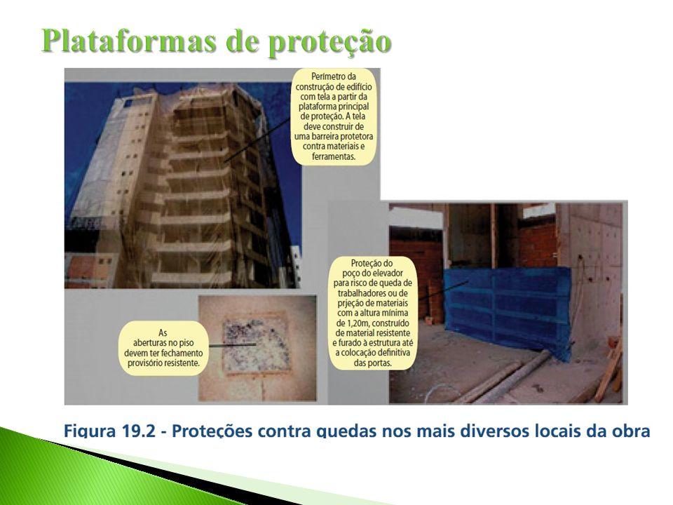 Instalar plataforma principal de proteção em todo o perímetro, a partir da primeira laje, em edificações com mais de quatro pavimentos;