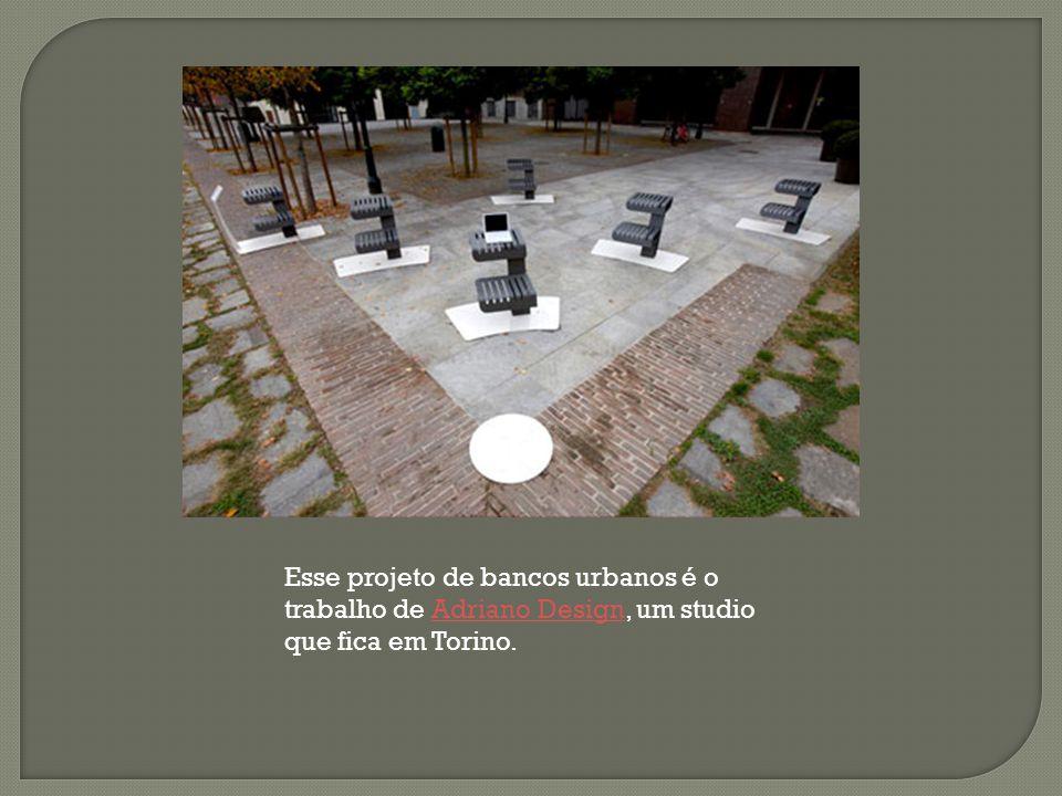 Esse projeto de bancos urbanos é o trabalho de Adriano Design, um studio que fica em Torino.Adriano Design