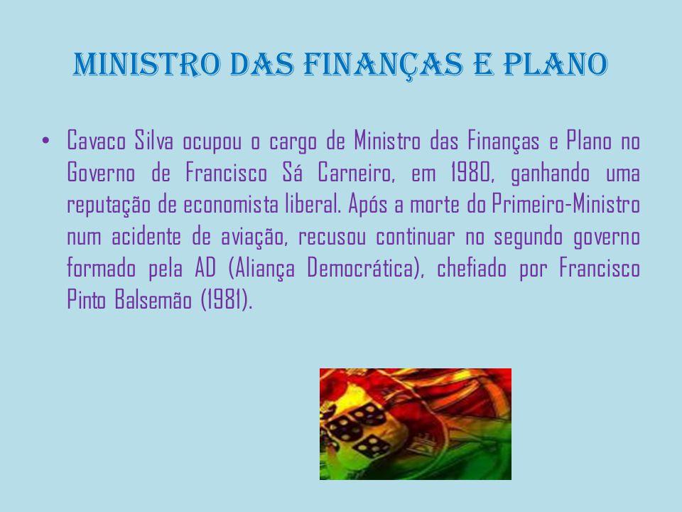 Líder do PSD e Primeiro-Ministro Foi eleito Presidente do PSD a 2 de Junho de 1985 no congresso da Figueira da Foz.