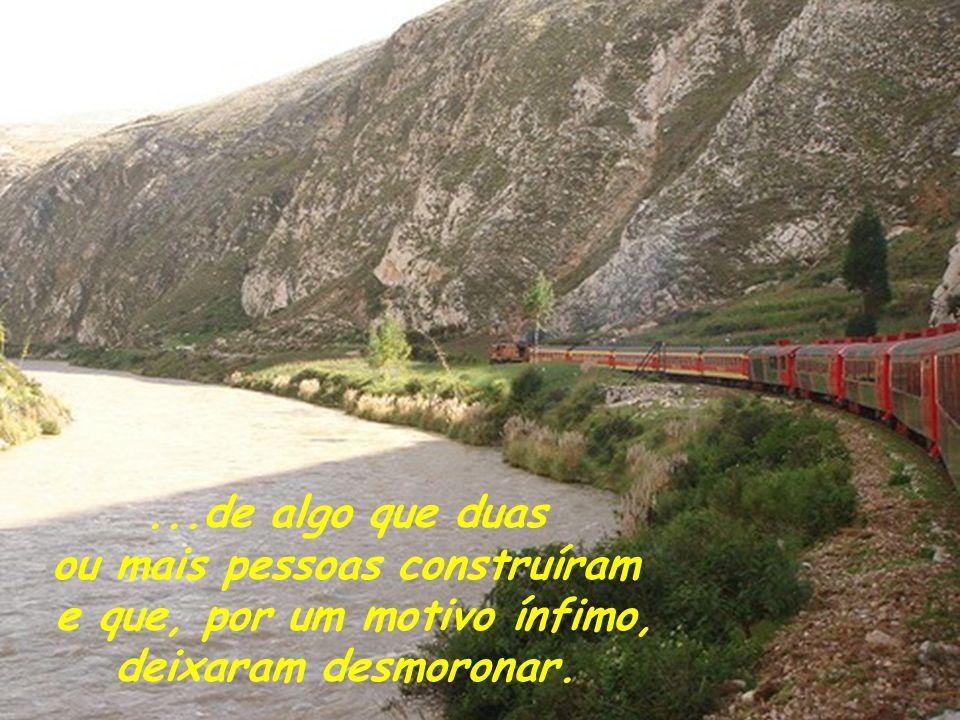 Eu gostaria que você pensasse no desembarque do trem, não só como a representação da morte, mas, também, como o término de uma história...