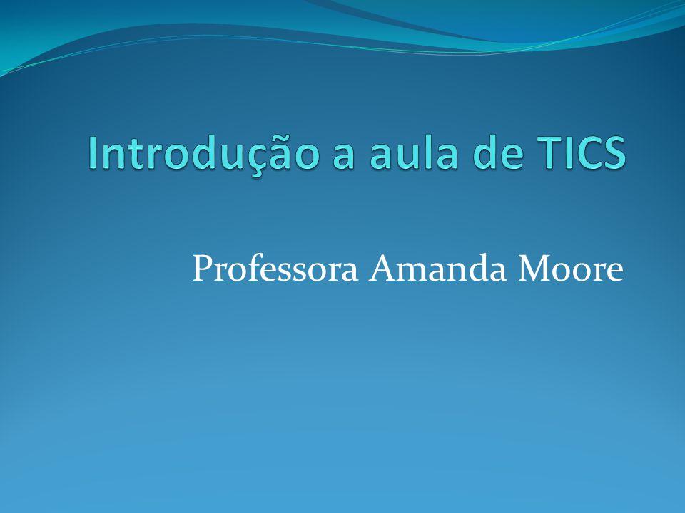 Professora Amanda Moore