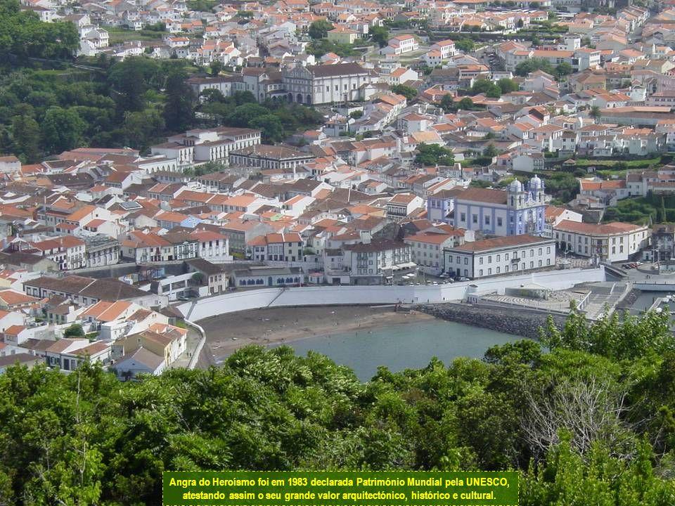 Angra do Heroísmo é a principal cidade da ilha Terceira.