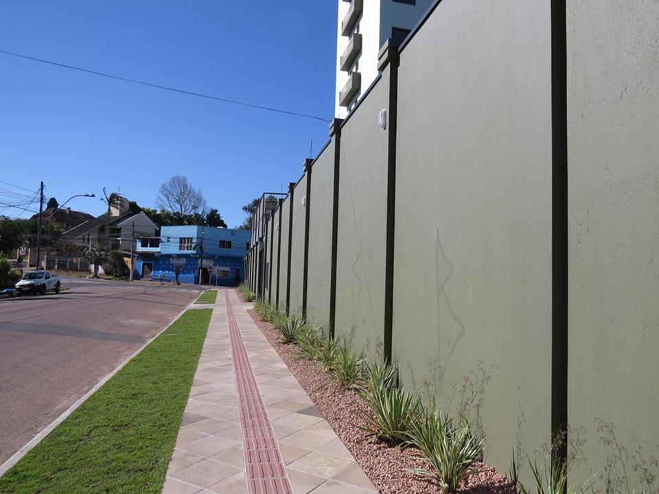 Construtora e Incorporadora Colúmbia Ltda Calçadas e perfis do prédio