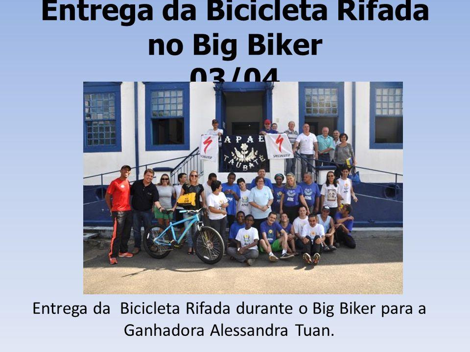 Entrega da Bicicleta Rifada no Big Biker 03/04 Entrega da Bicicleta Rifada durante o Big Biker para a Ganhadora Alessandra Tuan.