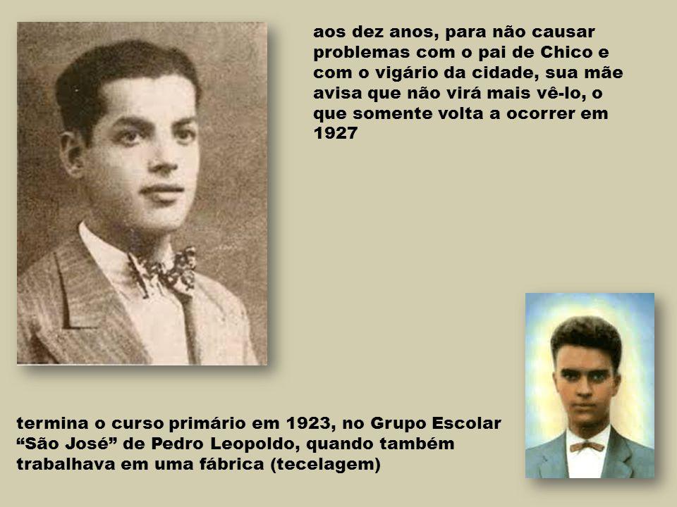 """termina o curso primário em 1923, no Grupo Escolar """"São José"""" de Pedro Leopoldo, quando também trabalhava em uma fábrica (tecelagem) aos dez anos, par"""