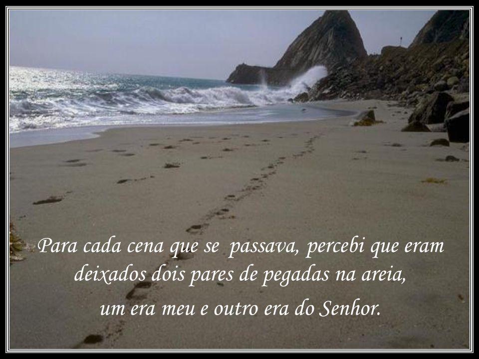 Uma noite eu tive um sonho... Sonhei que estava andando na praia com o Senhor, e através do céu, passavam cenas da minha vida.