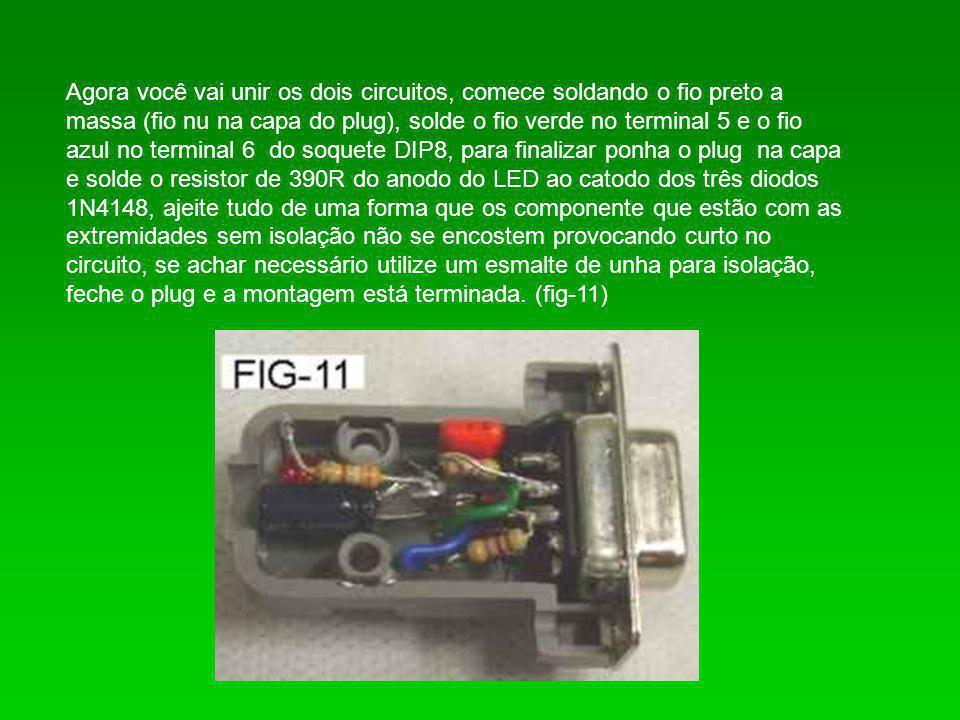 Agora você vai unir os dois circuitos, comece soldando o fio preto a massa (fio nu na capa do plug), solde o fio verde no terminal 5 e o fio azul no t