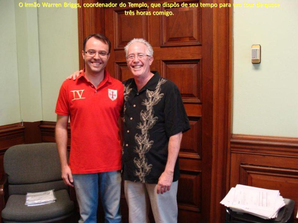O Irmão Warren Briggs, coordenador do Templo, que dispôs de seu tempo para um tour de quase três horas comigo.