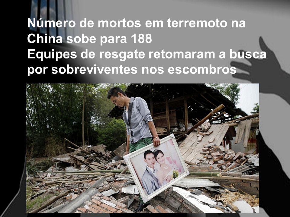 Número de mortos em terremoto na China sobe para 188 Equipes de resgate retomaram a busca por sobreviventes nos escombros