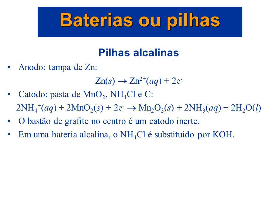 Bateria de chumbo e ácido A reação eletroquímica global é PbO 2 (s) + Pb(s) + 2SO 4 2- (aq) + 4H + (aq)  2PbSO 4 (s) + 2H 2 O(l) para a qual E  cell