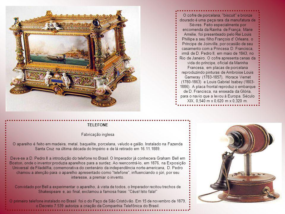 CETRO Ouro e brilhantes; obra do ourives fluminense Manuel Inácio de Loiola, sob a orientação de Inácio Luís da Costa; altura: 2,500 m; peso: 2, 510 g