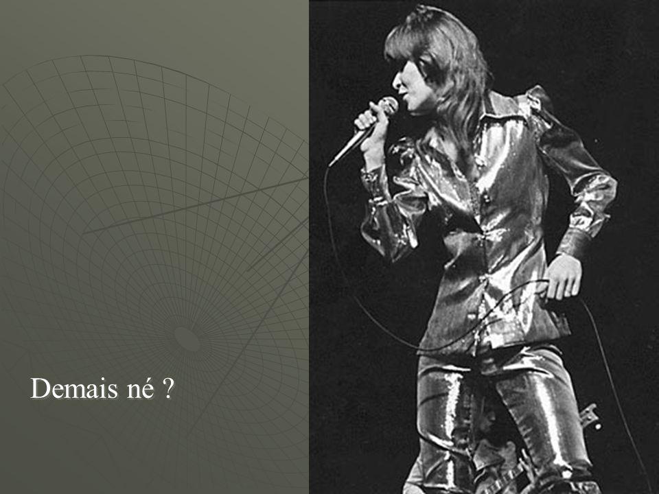E mete os Beatles aí na radiovitrola. Help, please!!!!!