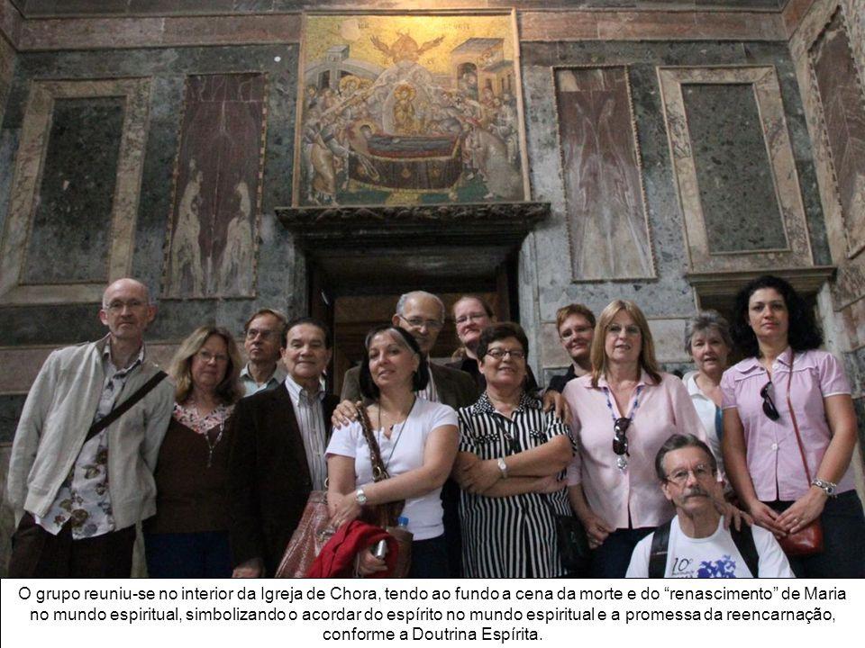 No mosaico, A Morte da Virgem, também no interior da igreja de Chora, podemos notar a vida nova no mundo espiritual e a promessa da reencarnação, que