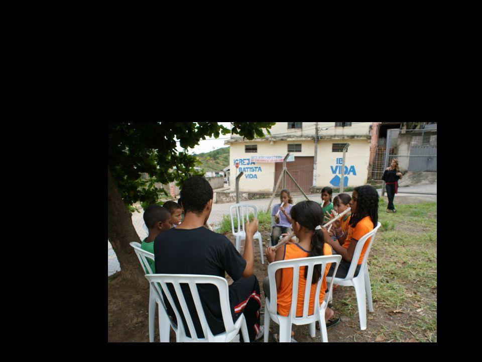 a escola ocupa a cidade (escola integrada Belo Horizonte/MG)