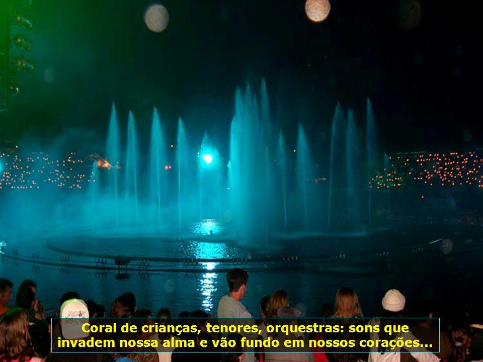 A sintonia perfeita de luzes, sons, imagens e fogos, num espetáculo de tirar o fôlego de qualquer um...