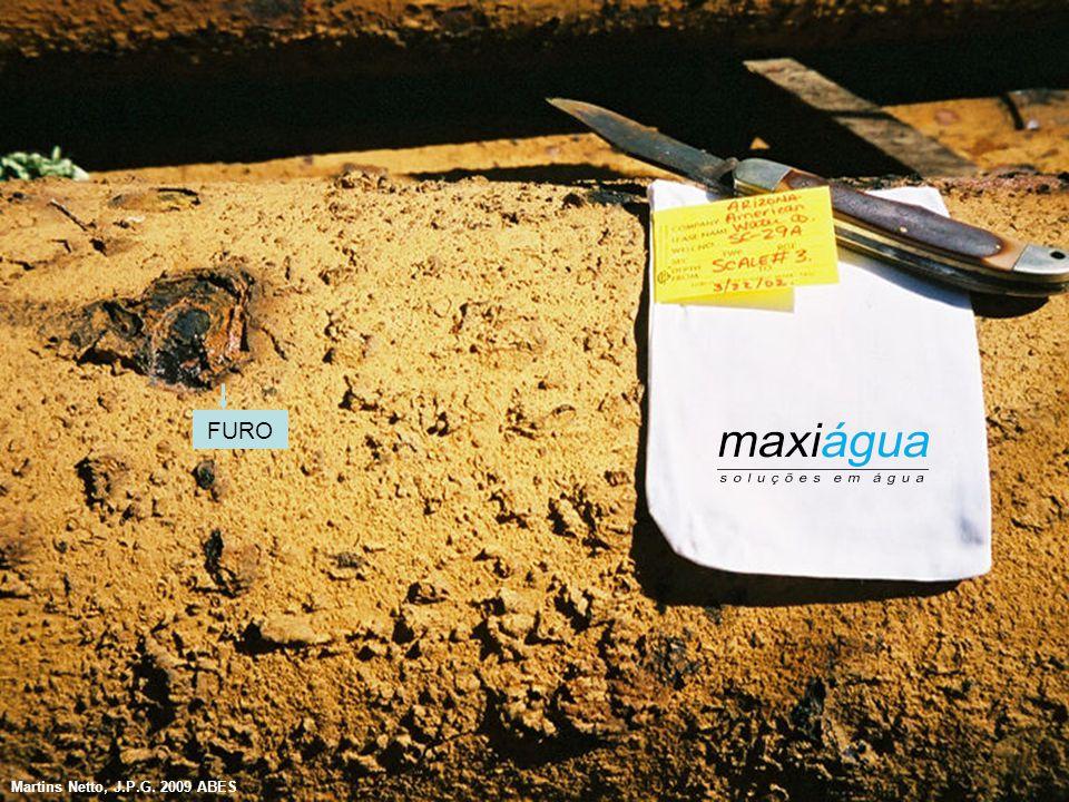 """Incrustações por Ferro e Manganês  Sintomas mais frequentes - Queda acentuada de vazão - Alteração de qualidade de água - Bombas """"golfando"""" Ocorrem m"""